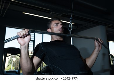Lat Pull down Workout. Lat Pulldown Heavy Weight Exercise For Back