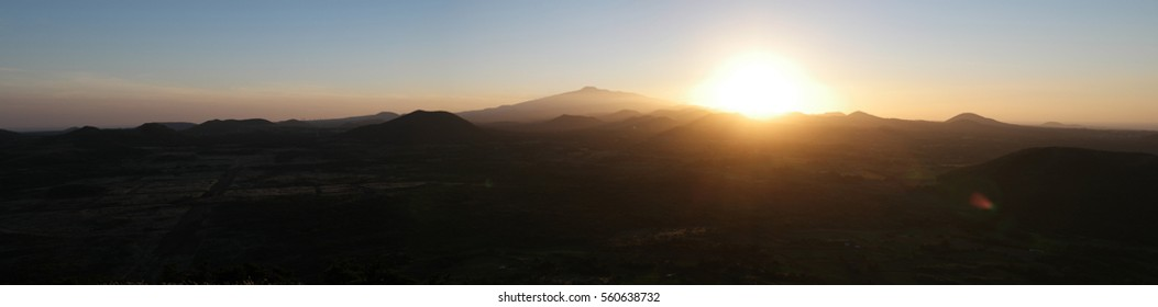 Late afternoon in Mt.Hal la