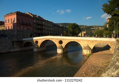 Latin bridge in the city center of Sarajevo over Miljacka river. The Sarajevo Museum is located on the right bank of the river.