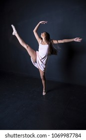 latina ballerina stretching