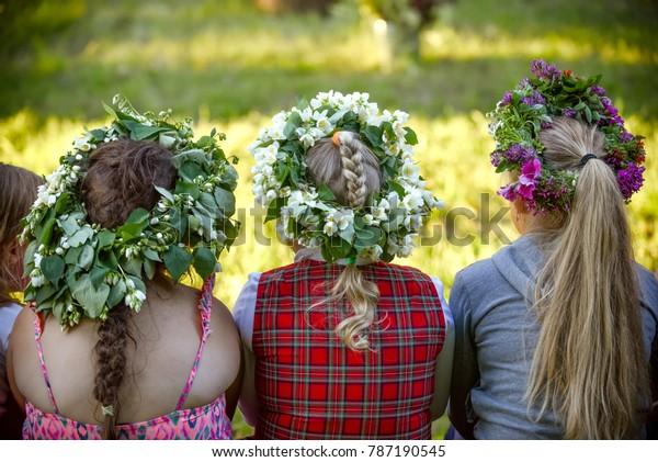 latvian-culture-tradition-midsummer-latv