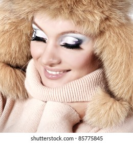 Beautiful Faux Fur Hat SNOW Flakes Stylish Brown Hat premium quality
