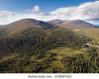 Laukukero, Taivaskero and Pyhäkero are three highest peaks of the Pallastunturi fell. On summer this place is very popular for hiking and winter for skiing