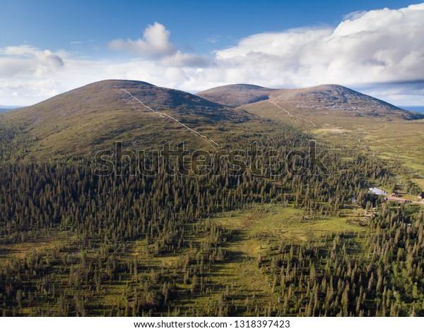Laukukero, Taivaskero and Pyhäkero are three highest peaks of the Pallastunturi fell. On summer this place is very popular for hiking and winter for skiing