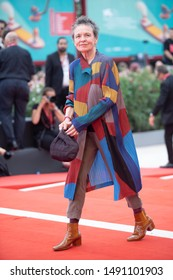 Laurie Anderson walks the red carpet ahead of the Opening Ceremony  during the 76th Venice Film Festival at Sala Grande on August 28, 2019 in Venice, Italy.