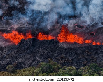 Lava fountains eruptions through several fissures