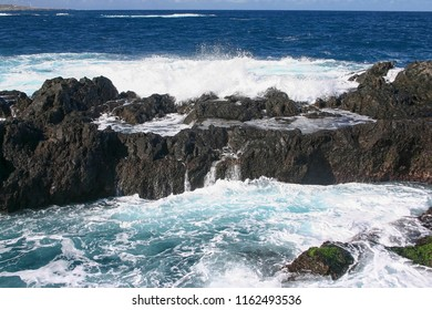 Lava rocks with a strong Atlantic ocean at Tenerife