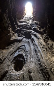 Lava tunnel near Lanai Lookout, Oahu, Hawaii