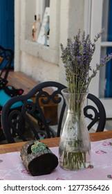 lavanta on table