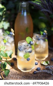 Lavender and blueberries iced tea