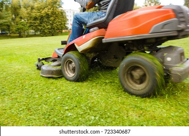 the lawn mower tractor