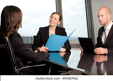 Lawyer consultation in an office