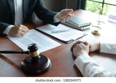 The lawyer provides advice, advice, legal proposals. Examination of legal documents