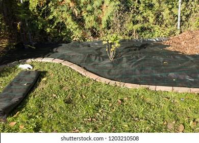 Lay garden fleece