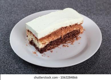 Layer cake with yogurt jelly filling