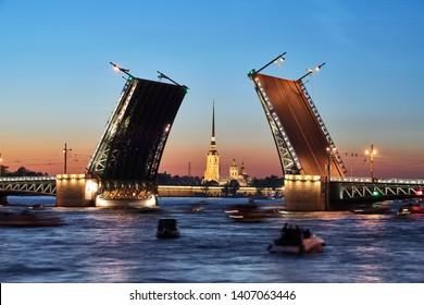 Laying bridges in St. Petersburg