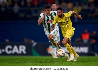 Layun of Villarreal  and Muldur of Rap Wien during the Group G match of the UEFA Europa League between Villarreal CF and Rapid Wien at La Ceramica Stadium Villarreal, Spain on October 25, 2018.