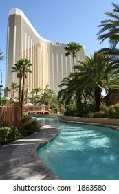 lazy river in Mandalay Bay