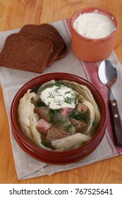 Lazy shchi, variation of traditional Russian cabbage soup with meat and sour cream