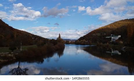 Le Doubs in autumn, Franche-Comté, France