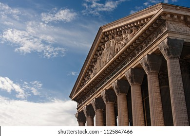 le madeleine temple in paris, a catholic church that looks like a classic greek temple