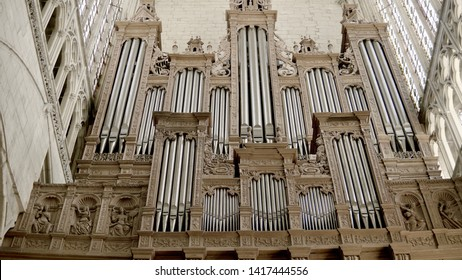Le Mans - FRANCE, 06 JUNE 2019: View of the interior of the Saint-Julien cathedral of Le Mans in the Pays de la Loire. Magnificent organ in the immensity of the Saint-Julien cathedral in the center of