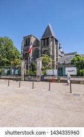 LE MANS, FRANCE - JULY 03, 2018: Le Mans Notre-Dame de la Couture (Eglise de la Couture, XII century). Notre-Dame de la Couture - formerly the abbey church of Saint-Pierre de la Couture.
