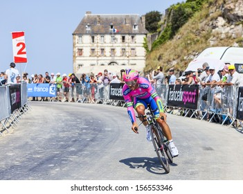 LE MONT SAINT MICHEL,FRANCE-JUL 10:The cyclist Roberto Ferrari from Euskaltel-Euskadi l Team cycling during the stage 11(time trial Avranches -Mont Saint Michel) of Le Tour de France on July 10, 2013