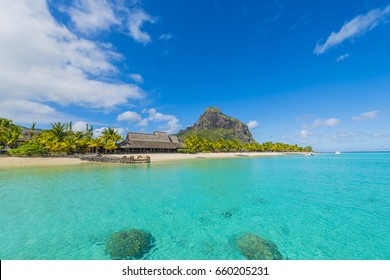 Le Morne Brabant - Mauritius Tropical Island beach and mountain