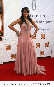 Le Toya Luckett arriving at the 21st Annual Soul Train Music Awards. Pasadena Civic Auditorium, Pasadena, CA. 03-10-07