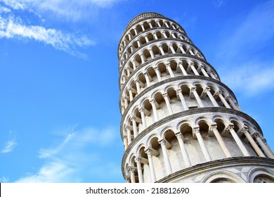 Leaning Tower of Pisa against blue sky with copyspace, Italy