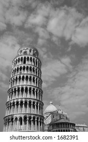 Leaning Tower of Pisa in black and white.