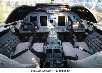 Learjet 60 XR empty cockpit at Congonhas Airport, Sao paulo, Brazil 2014