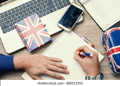 learn the English language with an online course on notebook