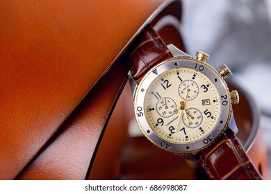 Leather strap wrist watch for man