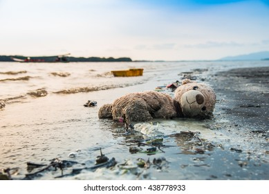 leaves garbage teddy bear alone on floating island