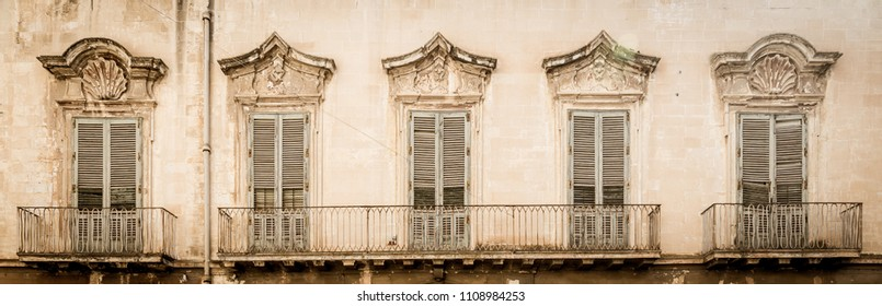 Lecce is considered the second Florence in Italy and is very famous for the maximum expression of baroque architectural style