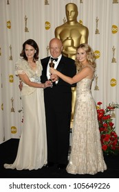 The Ledger Family  in the Press Room at the 81st Annual Academy Awards. Kodak Theatre, Hollywood, CA. 02-22-09