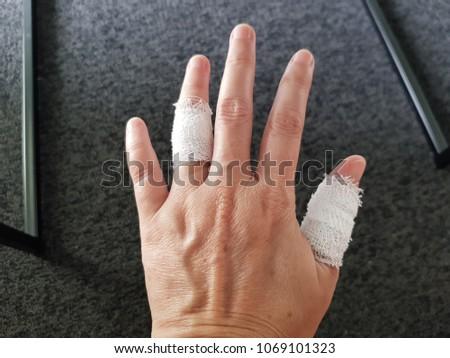 Left thumb ring