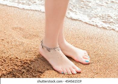 Dasengu _raja movie Banthu's golden anklet feet 😍😍😍 - YouTube