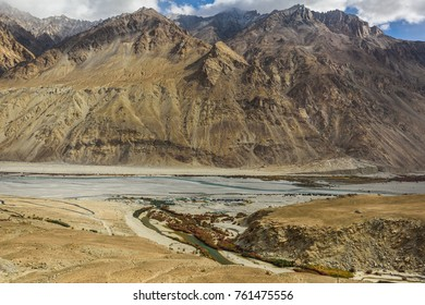 Leladakh is one of the most beautiful places in India and best place to get beautiful images.
