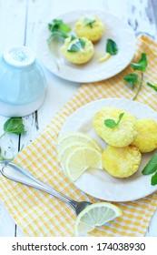 lemon cake & mints