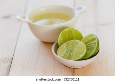 lemon juice and green lemon