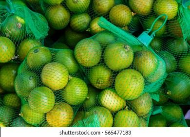 lemon in market