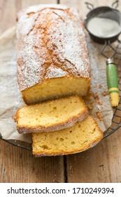 Gâteau au citron et sucre glace