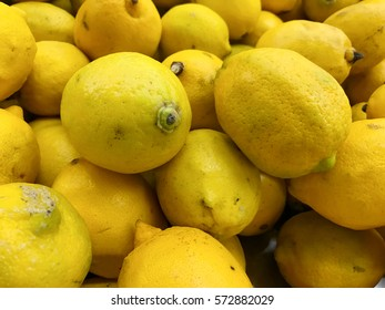 Lemon sell in the market