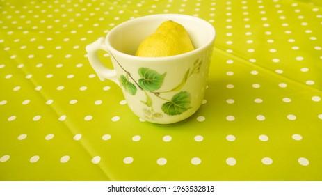 Lemon tea bio, spring 2021