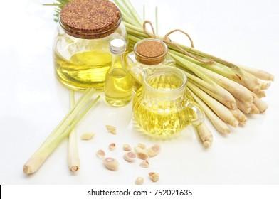 lemongrass essential oil with lemongrass