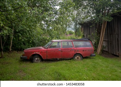 Imagenes Fotos De Stock Y Vectores Sobre Red Car Volvo