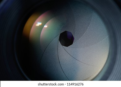 lens diaphragm macro with reflection